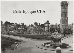27 - ÉVREUX - Juin 1940 - Place De L'Hôtel-de-Ville +++++ Édit. M. Curé, Évreux ++++ CPSM / RUINES - Evreux
