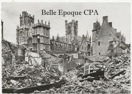 27 - ÉVREUX - Juin 1940 - La Cathédrale +++++ Édit. M. Curé, Évreux ++++ CPSM / RUINES - Evreux
