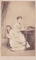 ANTIQUE CDV PHOTO - LADY SAT AT DESK.  GRANTOWN STUDIO - Photographs