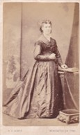 ANTIQUE CDV PHOTO -  STANDING LADY. LONG DRESS.  NEWCASTLE ON TYNE  STUDIO - Photographs