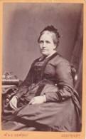 ANTIQUE CDV PHOTO -  OLDER LADY. HAT. NEWCASTLE ON TYNE   STUDIO - Photographs