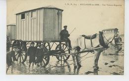 BOULOGNE SUR MER - Une Voiture Baignoire - Boulogne Sur Mer