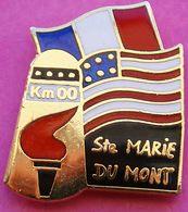 GG  255....PIN'S  MILITAIRE.... .STE  MARIE  DU  MONT    DEBARQUEMENT....département De La Manche En Région Normandie - Villes