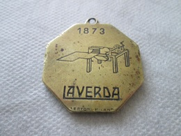 LAVERDA COMPANY, OLD KEY-RING 1963, METAL 3,2 X 3,2 Cm, MANUFACTURER BERTONI-MILANO - Transports