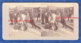 Photo Ancienne Stéréo Vers 1914 - ROUEN - Portrait Poilu Avec Drapeau Fusil Tambour & Graffiti Patriotique Normandie WW1 - Guerre, Militaire