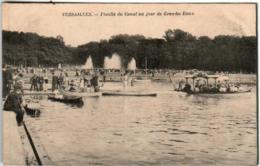 31px 1727 CPA - VERSAILLES - FLOTILLE DU CANAL UN JOUR DE GRANDES EAUX - Versailles (Château)