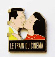 Pin's Le Train Du Cinéma SNCF Signé Decat Très Belle Qualité - Aa16 - TGV