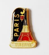 Pin's Paris Tour Eifffel Très Belle Qualité Signé HB 19 SAP. POLYNE PARIS - C16 - Bomberos