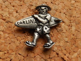 Rare Pin's -  PLANCHE DE SURF - CARLINA - Pin
