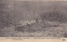GUERRE 1914/18,,,,CHAMP De BATAILLE   De  SENLIS ,,,,UNE  TOMBE De SOLDATS  FRANCAIS,,,,VOYAGE,,,TBE, ,,, - Guerre 1914-18