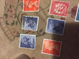 INGHILTERRA REGINA 9 P - Stamps