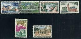 FRANCE   Série Touristique    N° Y&T  1311 à 1318  ** - Neufs