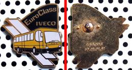 PRAXIS éditeur - Pin's Autobus EURO CLASS IVECO - Badges