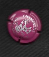 CAPSULE De CHAMPAGNE GUY LAMOUREUX Blanc Sur Fond Rouge  - 10 -  LES RICEYS - Unclassified