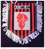 Vintage = ECUSSON / FANION -   A.C. MILAN ** Football** Italie - Habillement, Souvenirs & Autres