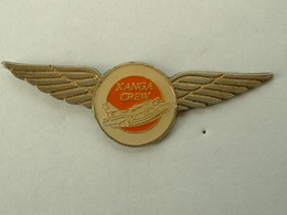 Pin's AVION - KANGA CREW - Airplanes