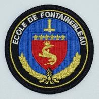 ECUSSON DE GENDARMERIE NATIONALE - ECOLE DE GENDARMERIE DE FONTAINEBLEAU (Tissu) - Police & Gendarmerie