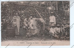 RARE CPA Animée TAHITI - Préparation Du Coprah - Drying Split Nuts For Copra (tahitiens Paysans Brouette) - Tahiti