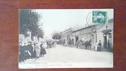GIRONDE 33 - CARTE POSTALE ANCIENNE PUGNAC - RUE DE LA POSTE ROUTE DE BOURG A ST SAVIN / ANIMATION ATTELAGE - France