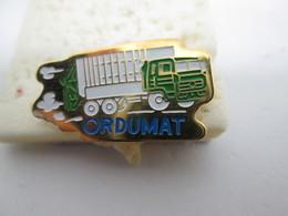 PIN'S   ORDUMAT  CAMION  RENAULT - Transportation