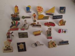 A Prix Cassé !!! LOT18-89 De 25 Pin's En Très Bon état , Tous Différents , Avec Leurs Attaches - Badges