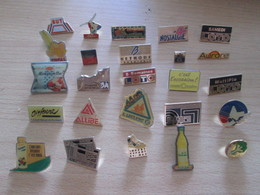 A Prix Cassé !!! LOT18-227 De 25 Pin's En Très Bon état , Tous Différents , Avec Leurs Attaches - Badges