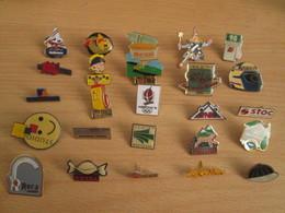 A Prix Cassé !!! LOT18-201 De 25 Pin's En Très Bon état , Tous Différents , Avec Leurs Attaches - Badges