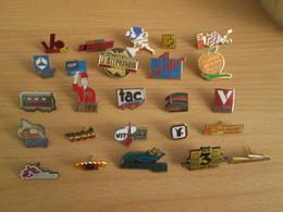 A Prix Cassé !!! LOT18-210 De 25 Pin's En Très Bon état , Tous Différents , Avec Leurs Attaches - Badges