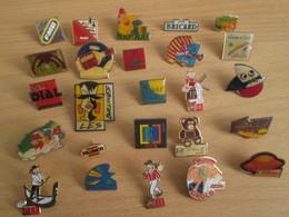 A Prix Cassé !!! LOT18-234 De 25 Pin's En Très Bon état , Tous Différents , Avec Leurs Attaches - Badges
