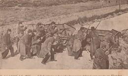 Rare Cpa L'infanterie Coloniale Française Défend Une Route En Flandre - 1914-18