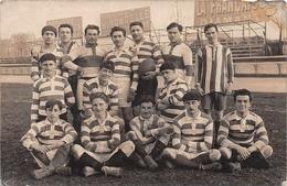 ¤¤  -    Carte Photo D'une Equipe De Rugby Dans Un Stade  -  Terrain De Sport  -  ¤¤ - Rugby