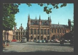 Brugge - Stadhuis - Vintage Car / Auto VW Kever / Coccinelle / Beetle - Autobus / Bus - Brugge