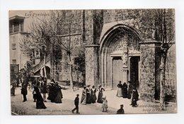 - CPA SAINT-JEAN-DE-LUZ (64) - Sortie De L'Eglise (belle Animation) - Edition A. Villatte - - Saint Jean De Luz