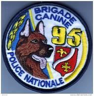 Ecusson Police Nationale  Brigade Canine 95 - Police & Gendarmerie