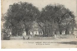 24 SARLAT PLACE DE LA GRANDE RIGAUDIE ET PALAIS DE JUSTICE 1918 CPA 2 SCANS - Sarlat La Caneda