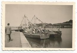 Photo Ancienne Bateau Dragueurs Des Mines Avec Au Dos Le Nom De Ceux Ci Et La Provenance - Bateaux