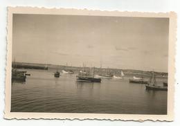 Photo Ancienne Bateaux De Pèches Avec Au Dos Indications DOUARNENEZ - Sardiniers Et Filets Bleus - Bateaux