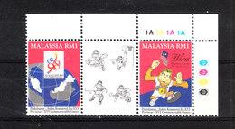 Malaysia  -   1994. Giochi Del Commonwealth. With Vignette, Complete Set MNH - Giochi
