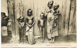 10883 - Afrique - DJIBOUTI : FECONDITE D'UNE FEMME SOMALIS  ,enfant  Nu , Nudité...     édit: K. Arabiantz à Djibouti - Djibouti