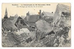 VENDOME  (cpa 41)  La Catastrophe Du 30 Novembre 1910, Une Montagne Qui S'écroule, Rue De La Grève   -  L 1 - Vendome