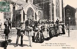 MOELAN - Noce  . Défilé Du Cortège à La Sortie De L'Eglise. - Moëlan-sur-Mer
