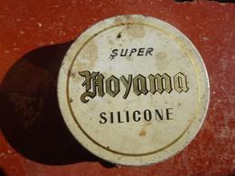"""Publicité Boîte Ancienne En Métal """"Super Silicone NOYAMA"""" A Incorporer à La Pâte à Chaussures - Boxes"""