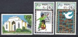 FIJI  Yv 540 Série Courante Dudley Church,Suva + 543/4, Année Inrernationale De La Paix ** Mnh - Fidji (1970-...)