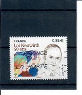 YT5121 Loi Neuwirth - France