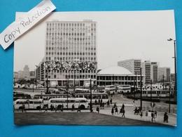 Berlin-Alexanderplatz, Strassenbahnen, Busse, 1965 - Mitte
