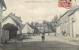 - Dpts Div.-ref-AE251- Somme - Condé Folie - La Place - Enfants  - Carte Bon Etat - - Frankrijk