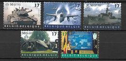 BELGIQUE   -   1999   Y&T N° 2809 à 2813 **.   OTAN  /  Char De Combat / Avion / Bateau / Croix Rouge.  Série Complète. - Unused Stamps