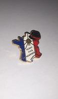 Pin's Police / Rosny Pin's Gendarmerie (signé AMC, Numéroté N° 0457) - Police