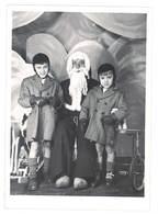 Grande Photo Père Noël En Sabots & Enfant, Jouets, Tricycle, Cheval à Bascule - Personnes Anonymes