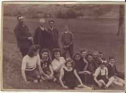 Photo  Famille à Peyrolles 15,5x11,5cm - Lieux